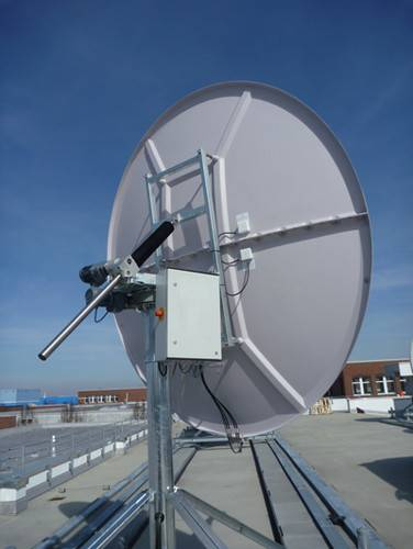 Hiltron has installed a motorized antenna and control system at the Helsingborg headquarters of LyngSat.