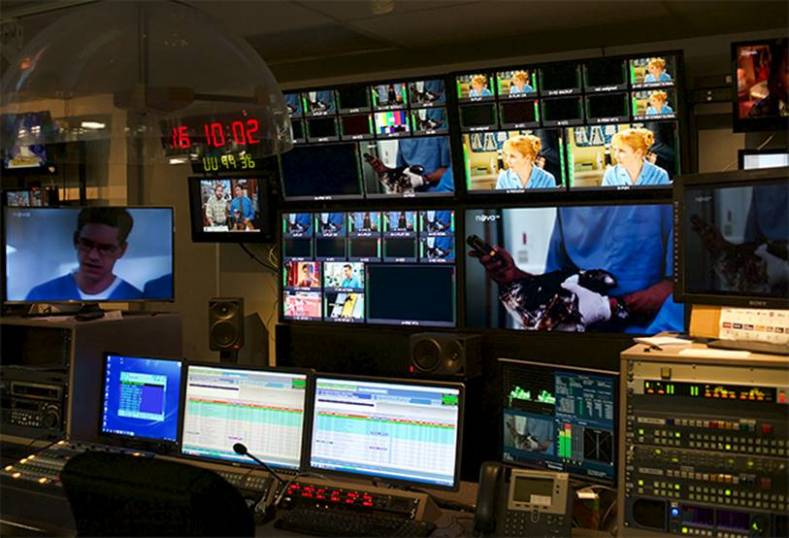 Apantac T# multiviewers in TV Nova's new production control room.