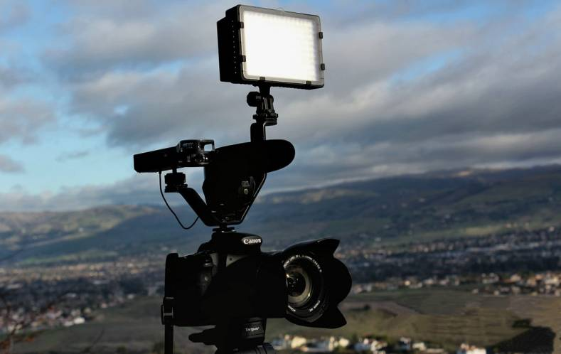 Should a Stereo or Mono Microphone be Used on a Video Camera? - The