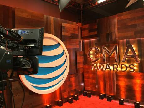 In 4K, the 2016 CMA Awards Red Carpet never looked more red.