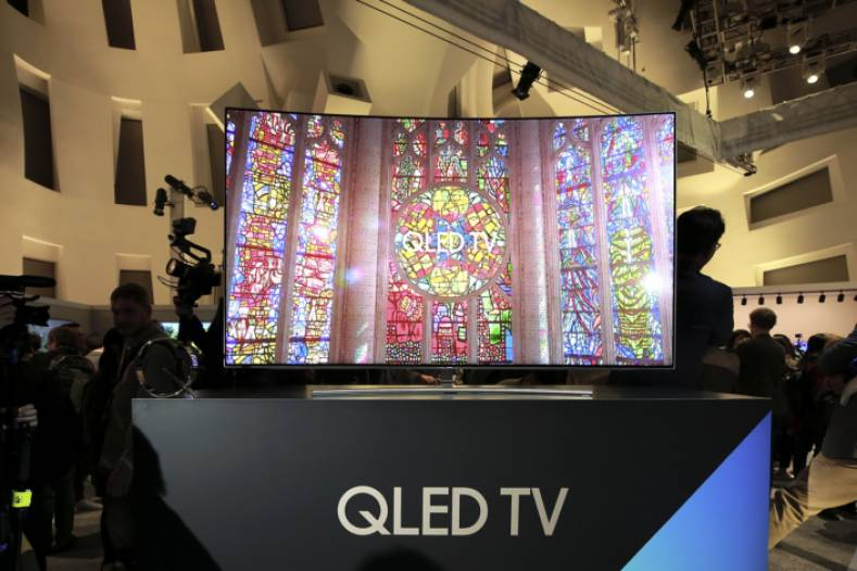 Facebook's new video app, now available on Samsung's latest QLED TVs.