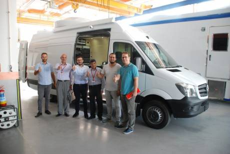 Hitachi Kokusai Electric Turkey Systems has delivered a new class of compact SNG vehicle capable of fitting into tight spaces.