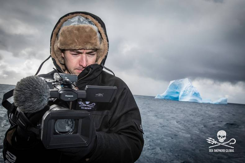 Gavin Garrison films a field of icebergs using the DVX200 on M/Y Ocean Warrior off Antarctica.  ©Simon Ager/Sea Shepherd Global.