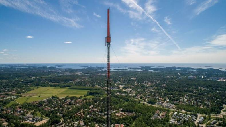 A simultaneous 5G Broadcast pilot demonstrated the power and potency of R&S High Power, High Tower transmitter technology.