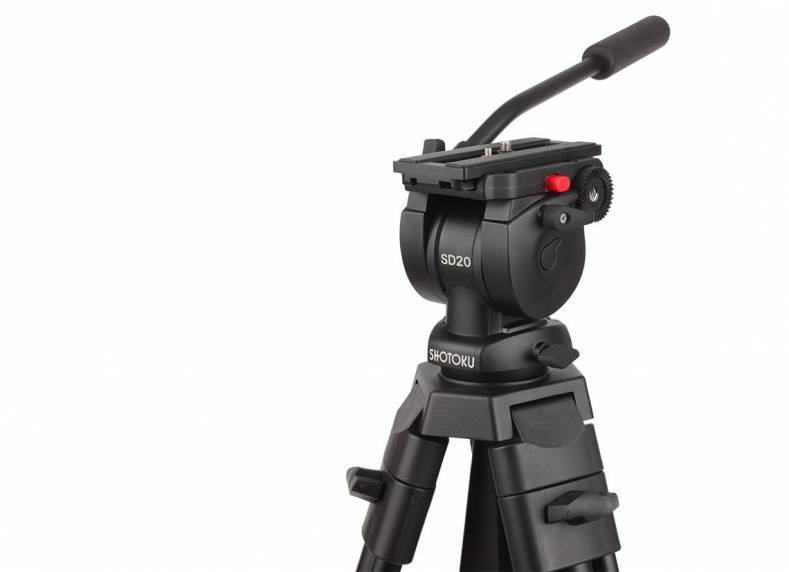 The SD20 tripod supports cameras to 3kg.
