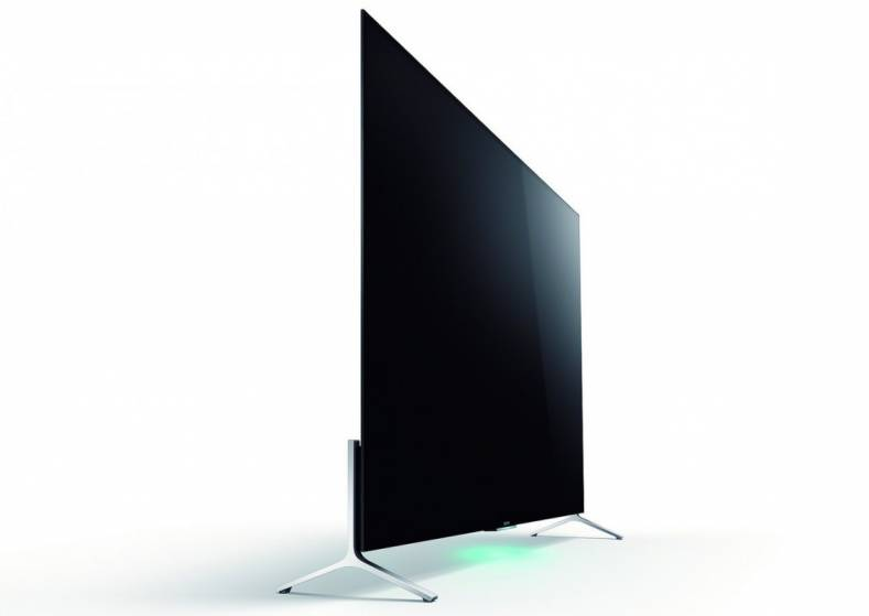 All TV set makers strive for the thinnest TV panels possible. Sony X9000C Bravia