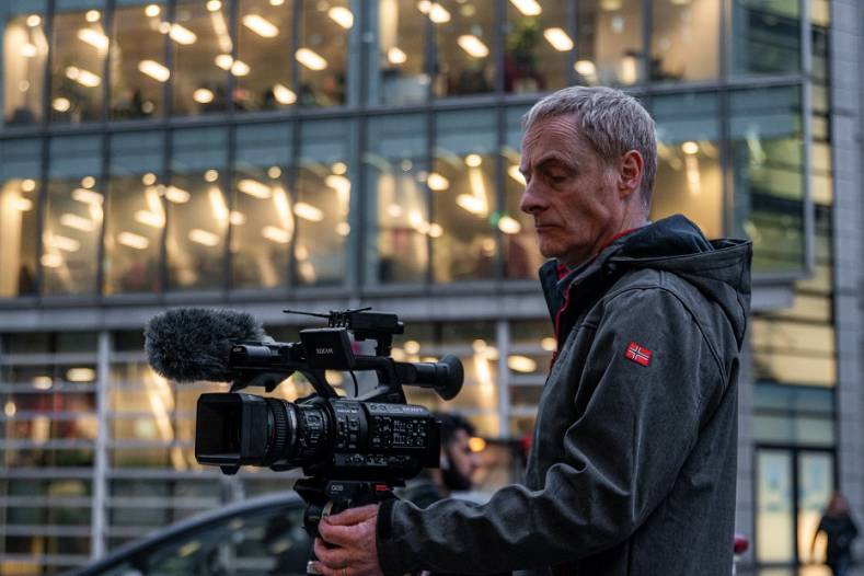 ITV News has equipped its videojournalists with Sony PXW-Z280 4K handheld camcorders and URX-P03D UWP wireless audio kits.