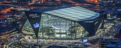 The site of Super Bowl LII features a hybrid fiber infrastructure for broadcast crews and 1,300 WiFi access points for fans.