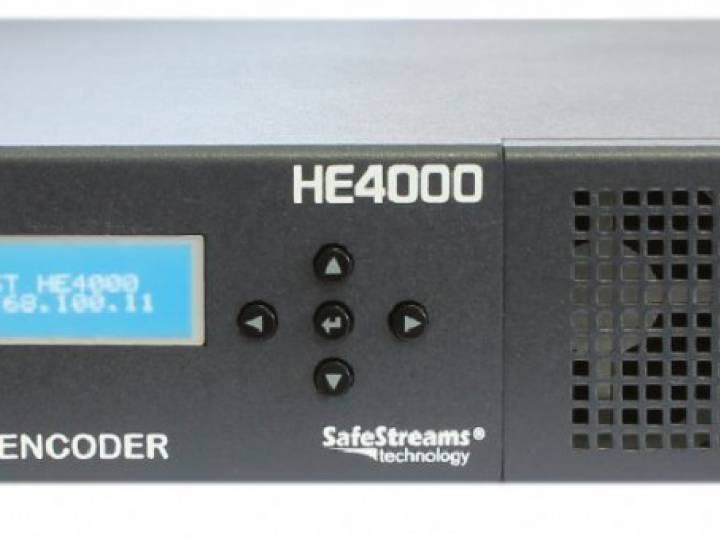 The HE4000 with the newest StreamHub transceiver and decoder platform provides integrated 4K UHD HEVC recording and decoding functions.