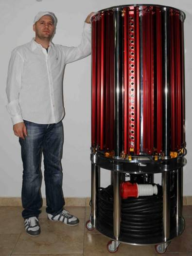 Andrea Pivetta standing next to his  Pivetta Opera One audio amplifier. It provides 12 output channels, 1600 watts each into 8Ω, for a total of 19,200W. The amplifier requires a serious power supply which must be connected to a 230/400VAC mono.  Initially priced at 0,000, the Pivetta Opera One is now on sale for only 0,000. Installment payments available.