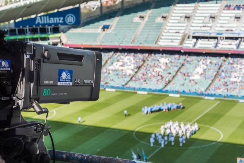 Gearhouse shoots Australian football in 4K with Fujinon lenses.