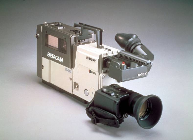The early ENG camcorder set a precedent for the design of should-mount cameras. A Sony BVW-1 Betacam from 1982.