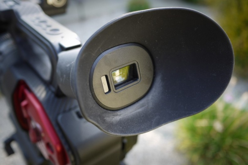 The OLED EVF is bright and clear but the light cap designed to protect it is too sensitive to a body in the general vicinity of the camera and unpredictably shuts down the swing-out LCD finder!<br />