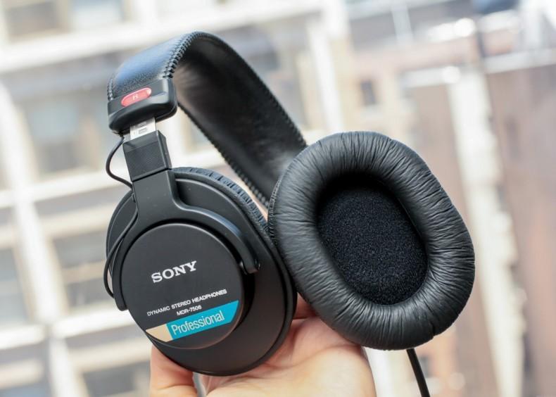 Sony MDR-7506.