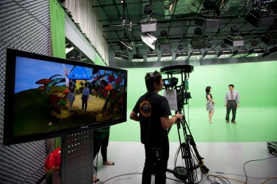 The complexity of a 3D virtual studio causes some broadcasters to hesitate. The cost, however, is attractive.