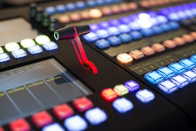 Unlike other switchers, all of the switching and layering effects are virtualized on the Dyvi, allowing the operator to create virtual mix/effects banks.