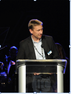 Jürgen Kockmann, Sennheiser Project Manager for evolution wireless D1, accepting the NAMM Foundation Outstanding Technical Achievement award for the Sennheiser ew D1 system.