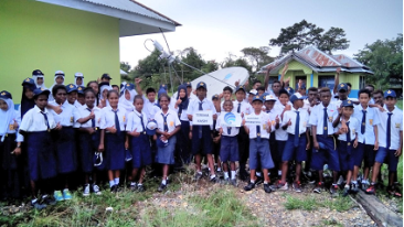 Schoolchildren in Papua now have access to reliable high-speed broadband thanks to the newly installed Newtec equipment.