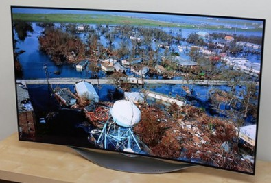 LG 4K OLED TV on display at the 2015 CES show.