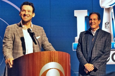 Tony Romo (left) and Jim Nantz will provide 2019 CBS Super Bowl play-by-play and commentary.