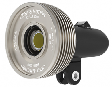 Stella 2000 broadcast light. The light is is totally sealed and works both underwater and on land, providing 2000 lumens on battery for one hour.