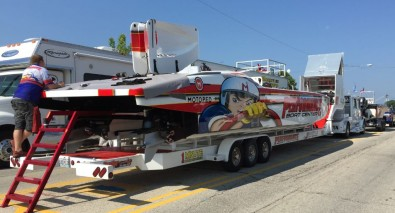 At the Missouri Lake Of The Ozarks Power Boat Race 2015, 35 serious powerboats arrived ready to put on a big show.