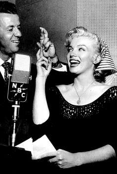 Marilyn Monroe, NBC Radio Studios, Hollywood, 1952